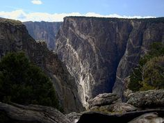 You Won't Believe That These 30 Surreal And Beautiful Places Are In The U.S.  19.) Black Canyon of the Gunnison National Park, Colorado