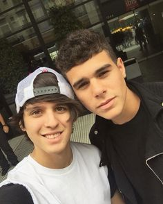 Read zabdi y chris from the story CNCO fotos💞 by LucaPatrn (❤Cncowner❤Criaturita ❤) with 272 reads. Friend Together, I Love Him, My Love, Funny Me, Boy Bands, Hot, Best Friends, Celebs, Guys
