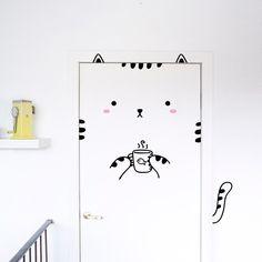 Sisi der selbstgefälligen Katze Tür-Aufkleber / von MadeofSundays