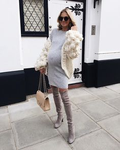 Superb Celebrity Maternity Clothes Ideas That Looks - Kläder - Winter Maternity Outfits, Stylish Maternity, Maternity Wear, Maternity Fashion, Maternity Dresses, Pregnancy Fashion Winter, Stylish Pregnancy, Bump Style, Fashion Maman