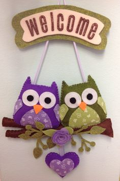 Afbeeldingsresultaat voor cane carlino in pannolenci Owl Crafts, Diy And Crafts, Crafts For Kids, Fabric Crafts, Sewing Crafts, Craft Projects, Sewing Projects, Felt Gifts, Felt Owls