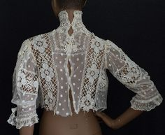 Treasure Hunt for high-style vintage clothing at Vintage Textile Treasure Hunt for high-style vintage clothing at Vintage Textile Boho Vintage, Vintage Gowns, Vintage Outfits, Vintage Clothing, Fashion Sewing, Boho Fashion, Vintage Fashion, Womens Fashion, Doll Clothes Patterns