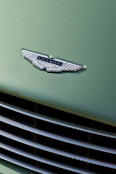 Aston Martin V12 Vanquish. The Ultimate Grand Tourer.