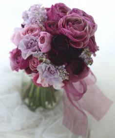 クラッチブーケ 暁のラナンキュラス シェラトン都ホテル東京様へ : 一会 ウエディングの花