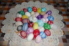 Húsvéti horgolt tojások! Nagyon egyszerű elkészíteni, akár kezdők is nekiláthatnak.  séma, leszámolható rajz  Séma, leszámolható rajz  Forrás:http://horgolastanfolyam.blogspot.hu/2011/04/raadas.html Jó időtöltést és...