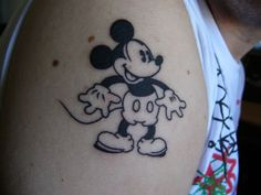 Old school Mickey Mouse tattoo, love the black and white and vintage design. -This is one nice Mickey tattoo. Trendy Tattoos, Love Tattoos, Unique Tattoos, New Tattoos, Small Tattoos, Tattoos For Guys, Tatoos, Family Tattoos, Henna Tattoos