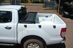 tonneau KING® soft tonneau cover is the first lockable soft cover in South Africa, fully hassle free product, fits and removes entirely in seconds. Tri Fold Tonneau Cover, How To Remove