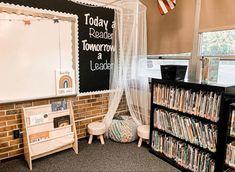 Reading Corner Classroom, Kindergarten Classroom Decor, Modern Classroom, Classroom Layout, 4th Grade Classroom, Classroom Organisation, Classroom Design, Future Classroom, Classroom Themes