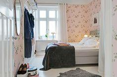 romantic bedroom, via purplearea