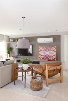 Poltrona Design, Home Tv, Wood Design, Interiores Design, Decoration, Living Room Decor, Living Rooms, My Room, Outdoor Furniture Sets