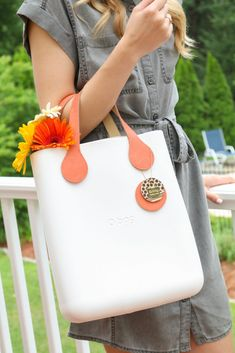 Loving my versatile new O Bag (and O Clock!!) made from ethylene vinyl acetate (EVA). The material is lightweight, soft and waterproof. What could be more perfect for summer?! Plus the bags (and watches) are completely customizable!