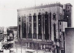 Modern Japanese Architecture, Beautiful Architecture, Old Photos, Vintage Photos, Old Photography, Retro Pop, Tokyo Japan, Movie Theater, Japanese Art