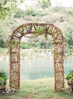 Outdoor weddings are beautiful and allow you to be creative with your wedding decor! | 25 Ideas for Your Unforgettable Theme Wedding | Kennedy Blue