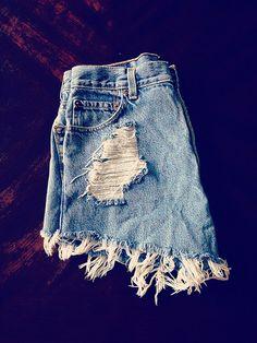 Denim shorts / summer style / fashion / street style / fall fashion / denim / blogger / stylist / Nashville style / beach style / trendy / women's fashion   Blue Distressed – KenzieLeighCoyne Nashville