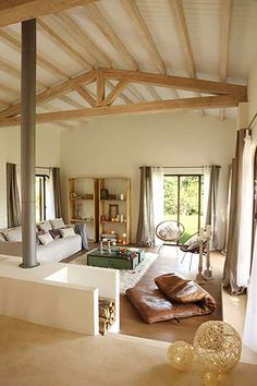 Livable, cozy and stylish are just a few words to describe the interior living spaces of the fascinating Barcelona, Spain based designer Silvia Rademakers. Cottage Design, Tiny House Design, Cottage Interiors, Small Cabin Interiors, Little Houses, Cabana, My Dream Home, Home And Living, House Plans