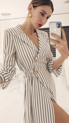 27 Elegant Style To Wear Today 2019 - Fashion Moda 2019 Mode Abaya, Mode Hijab, Casual Dresses, Casual Outfits, Fashion Dresses, Today's Fashion Trends, Fashion Design, Elegant Outfit, Elegant Fashion Wear