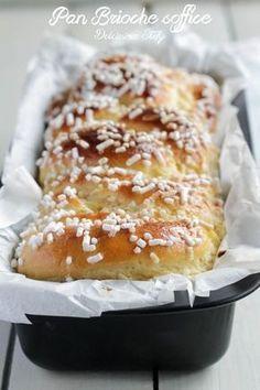 Pan Brioche soffie e leggero Delicious Desserts, Dessert Recipes, Yummy Food, Italian Desserts, Italian Recipes, Pan Gourmet, Brioche Nutella, Bolo Chiffon, Torte Cake