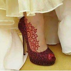 New Bridal Mehndi Designs, Cool Henna Designs, Henna Designs Feet, Modern Mehndi Designs, Mehndi Design Pictures, Latest Mehndi Designs, Henna Tattoo Designs, Bridal Henna, Mehndi Images
