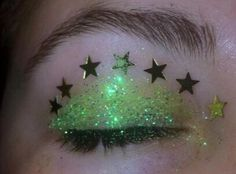 ideas for eye shadow green eyes glitter Green Aesthetic Tumblr, Glitter Tumblr, Slytherin Aesthetic, Aesthetic Makeup, Alien Aesthetic, Powerpuff Girls, Aesthetic Pictures, Makeup Inspo, My Favorite Color