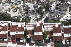 Unedited Photographs of Mexico Depict Huge Wealth Disparity