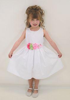 Aoife in Monnalisa girls white dress from Designerchildrens... #monnalisa #designerkids #designerclothes #luxurykids #kidsclothes #girlsclothes #dress #partysdress #modelkids