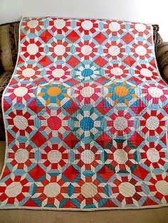 ANTIQUE VINTAGE HANDMADE QUILT 1930's CASTLE WALL FEED SACK NEW OLD STOCK QUILT