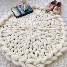 Rug, Round Rug, Knitted Circular Rug, Super Chunky Merino - how to crochet chunky blanket Thick Knitted Blanket, Hand Knit Blanket, Chunky Blanket, Knit Pillow, Knitted Blankets, Chunky Knit Throw Blanket, Diy Blankets, Lap Blanket, Merino Wool Blanket