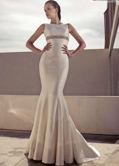 I love how sleek and form fitting this dress is