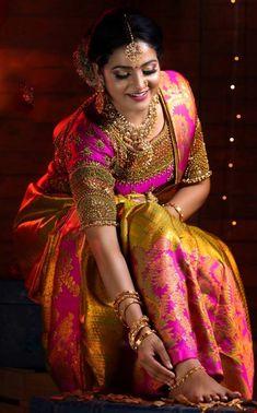 Indian Wife, Indian Girls, Saree Wearing, Indian Costumes, Indian Bridal Fashion, Saree Look, Beautiful Girl Indian, Bridal Dresses, Wedding Dress