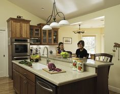 Traditional Kitchen Photos Island With Sink And Seating Design, Pictures, Remodel, Decor and Ideas - page 3
