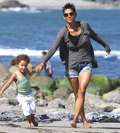 Nahla Aubry and Halle Berry make an adorable mommy-daughter duo!