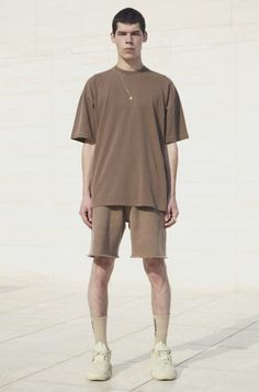 YEEZY season 6 Yeezy Season 4, Clothing Brand Logos, Yeezy Fashion, Yeezy Outfit, Yeezy By Kanye West, Looks Style, Men Dress, Cool Outfits, Men's T Shirts