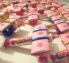 Valentine Candy Airplanes- great idea for passing out to friends at school or even as party favors.