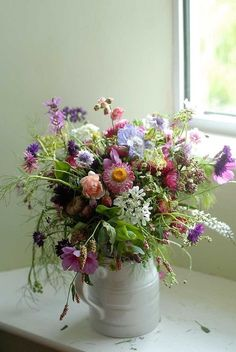 Wildflower Cottage •~• bouquet Table Flowers, Fresh Flowers, Wild Flowers, Beautiful Flowers, Meadow Flowers, Seasonal Flowers, Bright Flowers, Spring Flowers, Beautiful Flower Arrangements