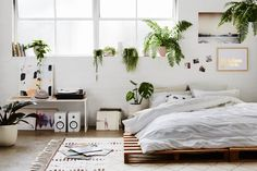 Interior | Green | White | Plants | Home decor | More on Fashionchick.nl