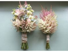 3 bridesmaid bouquets identical but each in a different pink/coral gradient like the 3 colors on the right.