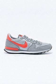 Nike Internationalist Trainers in Grey and Orange. Urban  OutfittersTornacipőkTornacipő 088c39b209