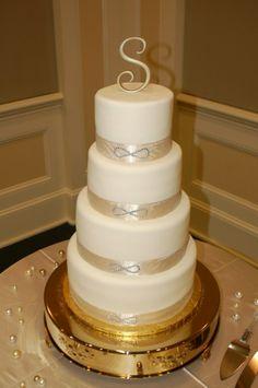 infinity symbol wedding invitations | Classy Infinity Themed Wedding Cake.