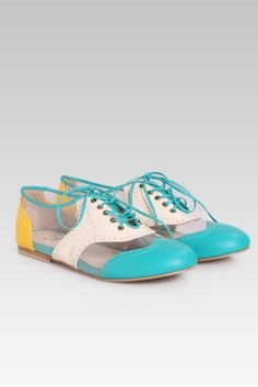 Stylishly casual oxford shoes