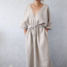 Beautiful handmade kimono style linen dress with pockets and matching belt! Insp… Beautiful handmade kimono style linen dress with pockets and matching belt! Inspiring ideas for summer wardrobes in Café de Maman! Kimono Style Dress, Kimono Fashion, Fashion Dresses, Kimono Outfit, Mode Outfits, Trendy Outfits, Biker Outfits, Sporty Outfits, Girly Outfits