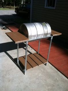 Here are step-by-step directions on how to make a stainless steel grill from a beer keg.
