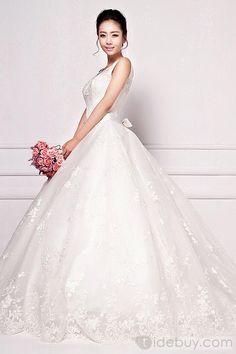 2013 Fashion Lace Mid-back Chapel Train Wedding Gown