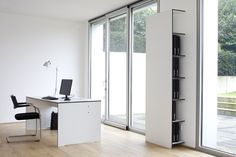 Riva Office to zestaw mebli biurowych wykonanych z materiału hpl. Nowoczesne wzornictwo, stabilność oraz doskonała funkcjonalność i wytrzymałość.