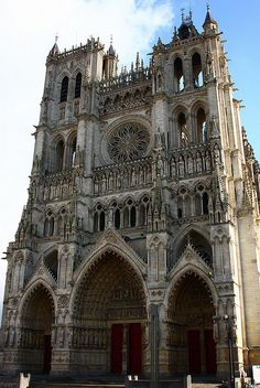 West facade of the cathedral of Notre-Dame d'Amiens. This cathedral was built between 1220 and Amiens the tallest completed Gothic church and the largest cathedral in France. Sacred Architecture, Beautiful Architecture, Beautiful Buildings, Beautiful Places, Places To Travel, Places To See, Belle France, Gothic Buildings, Amiens