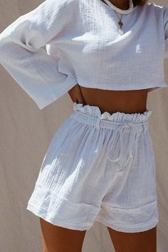 textured cotton high waisted short with paper bag waist and adjustable rope belt Worn here as a set with our 'Mantra Top'Fabric - cotton crossfireColour - white Casual Outfits, Cute Outfits, Fashion Outfits, Womens Fashion, Mode Pop, Mode Inspiration, Lounge Wear, Aesthetic Clothes, Beachwear