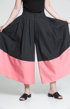 Pleated maxi pants with a pink colour block on the hem. Designed in Helsinki, Finland. Made from 100 % recycled materials in Loksa, Estonia. Maxi Pants, Color Blocking, Colour Block, Pleated Maxi, Sustainable Fashion, Pink Color, Ballet Skirt, Helsinki, Recycled Materials