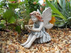 Amie Fairy is a sweet resin sitting fairy figure measures approximately 2 inches tall. NOT A TOY – Miniatures are small items that pose potential choking hazards to small children. Any accessories pic