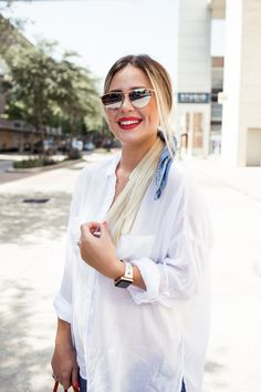 81f8620660 2 Ways to Wear An Oversized Button Down Shirt. Houston fashion blogger ...