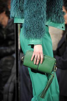 Green I love DVF !!!