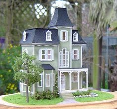 scale Beacon Hill, dollhouse for your dollhouse. Girls Dollhouse, Dollhouse Kits, Victorian Dollhouse, Dollhouse Dolls, Victorian Homes, Dollhouse Miniatures, Miniature Houses, Miniature Dolls, Dollhouse Landscaping